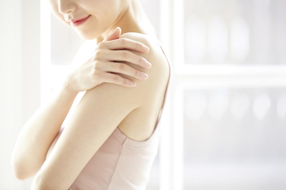 強力な美白効果を持つ成分「ハイドロキノン」を配合